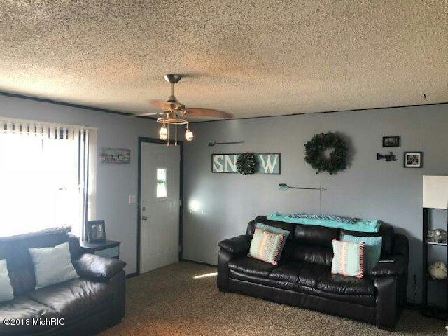Single Family Residence, Ranch - St. Louis, MI (photo 5)