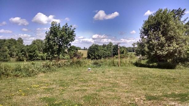 Single Family Residence, Bi-Level - Hesperia, MI (photo 5)