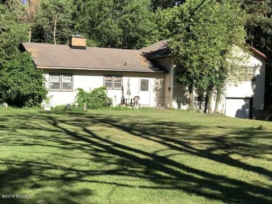 Tri-Level, Single Family Residence - Ludington, MI
