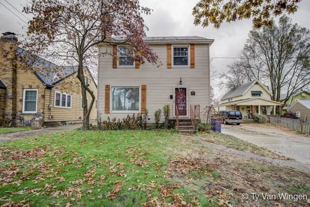 Single Family Residence, Traditional - Grand Rapids, MI (photo 1)