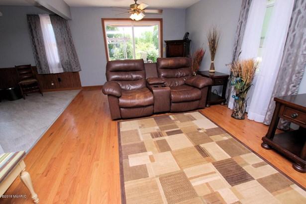 Cabin/Cottage, Single Family Residence - Hesperia, MI (photo 5)