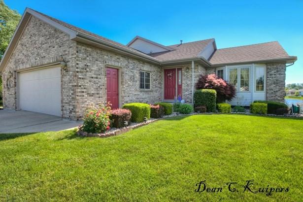 Tri-Level, Single Family Residence - Allendale, MI (photo 2)