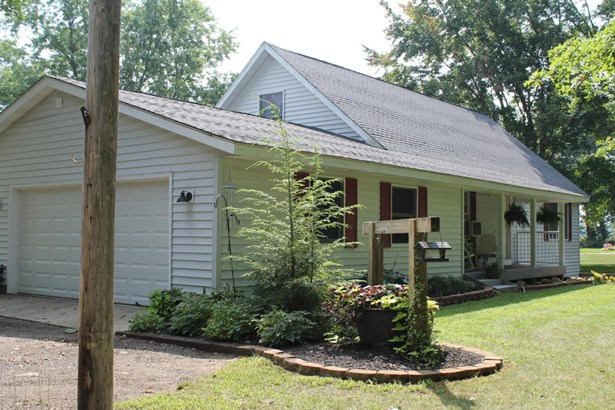 Cape Cod, Single Family Residence - West Olive, MI