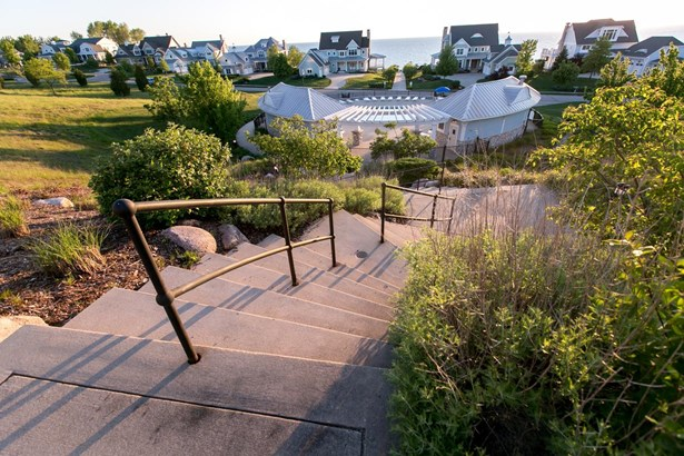 662 Waters Edge Dr 9, South Haven, MI - USA (photo 5)
