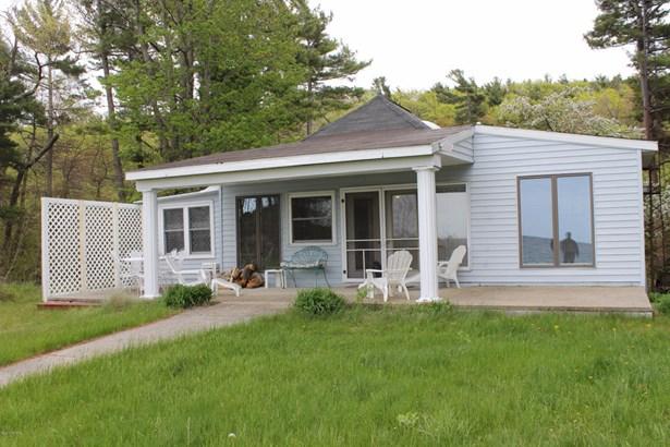 Single Family Residence, Bungalow - Mears, MI (photo 4)