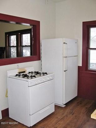 Cape Cod, Single Family Residence - Muskegon, MI (photo 4)