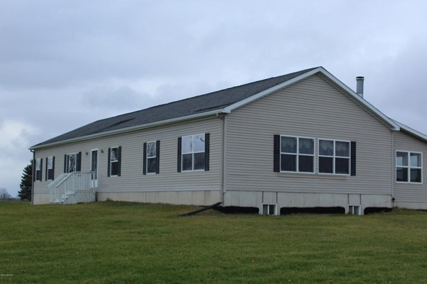 Single Family Residence, Ranch - Lowell, MI (photo 1)