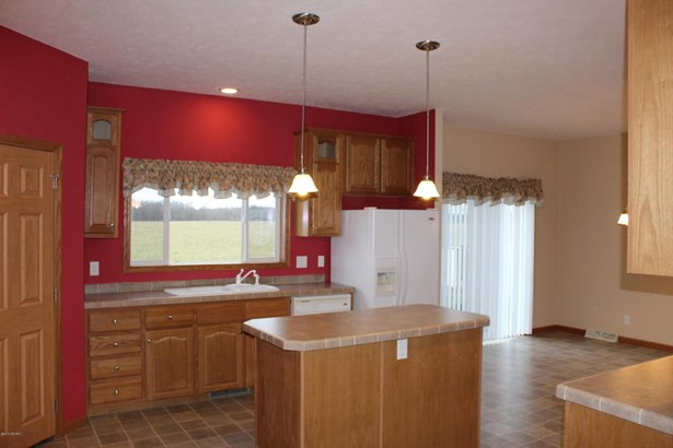 Single Family Residence, Ranch - Lowell, MI (photo 3)