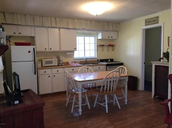 Cabin/Cottage, Single Family Residence - Ludington, MI (photo 4)