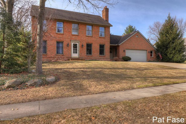 Single Family Residence, Colonial - Grand Rapids, MI (photo 2)