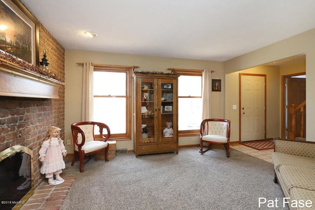 Single Family Residence, Colonial - Grand Rapids, MI (photo 4)