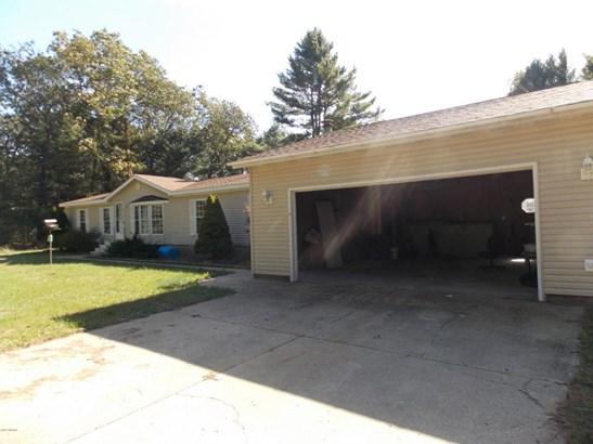 Single Family Residence, Mobile - Holton, MI (photo 2)