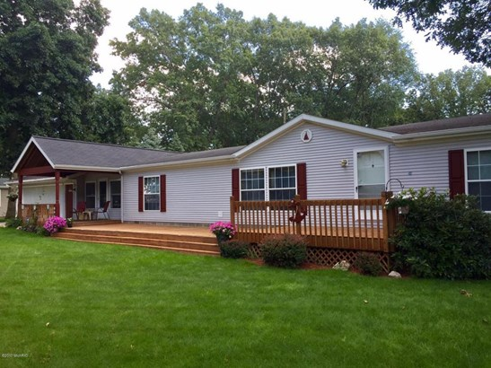 Single Family Residence, Ranch - Shelbyville, MI (photo 3)
