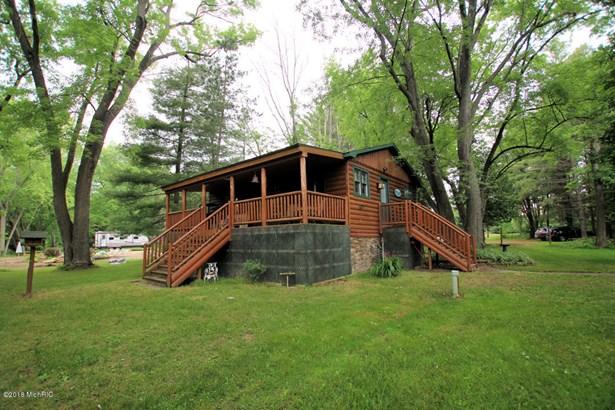 Cabin/Cottage, Single Family Residence - Hersey, MI (photo 1)