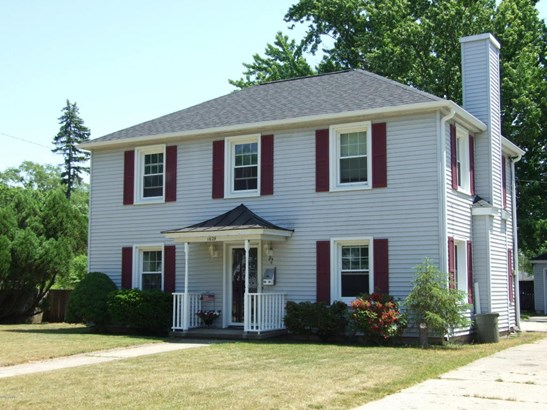 Single Family Residence, Traditional - North Muskegon, MI (photo 1)