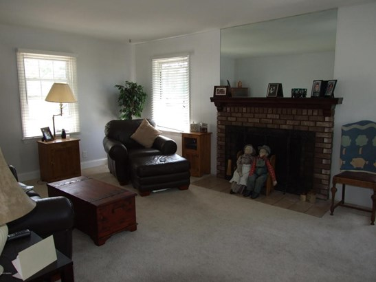 Single Family Residence, Traditional - North Muskegon, MI (photo 2)