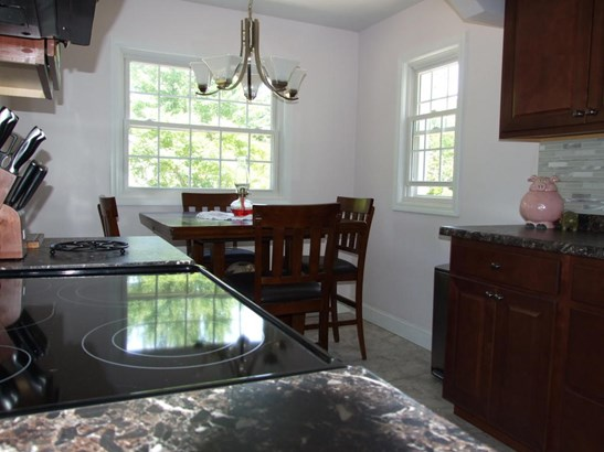 Single Family Residence, Traditional - North Muskegon, MI (photo 5)