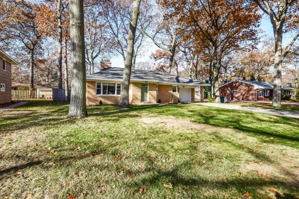Single Family Residence, Ranch - Norton Shores, MI (photo 3)