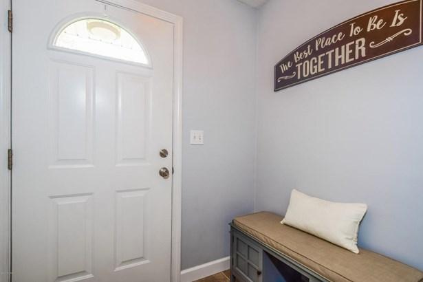 Single Family Residence, Ranch - Norton Shores, MI (photo 5)