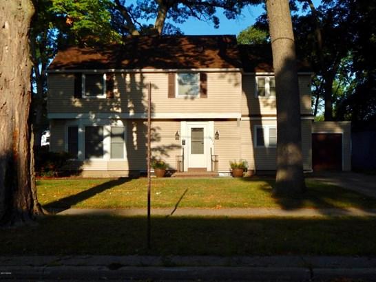 Single Family Residence, Colonial - Muskegon, MI (photo 1)