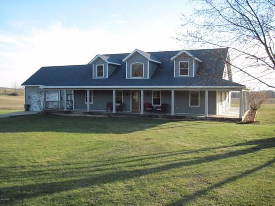 Single Family Residence, Traditional - Shelby, MI (photo 1)