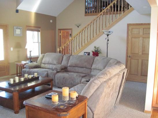 Single Family Residence, Traditional - Shelby, MI (photo 4)