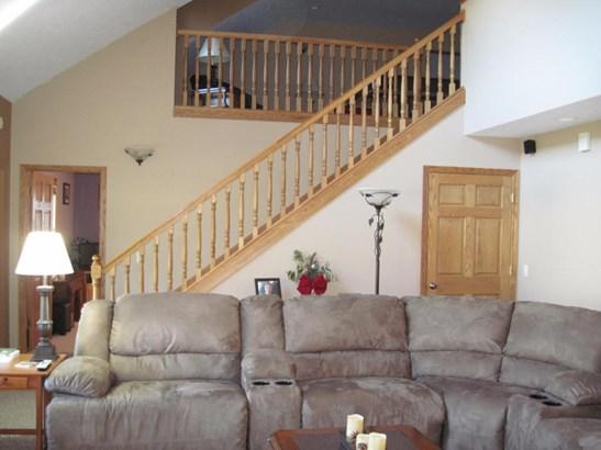 Single Family Residence, Traditional - Shelby, MI (photo 5)