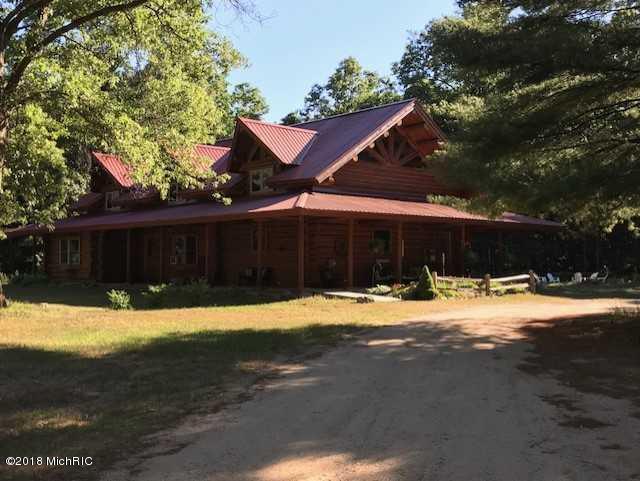 Single Family Residence, Log Home - Hesperia, MI