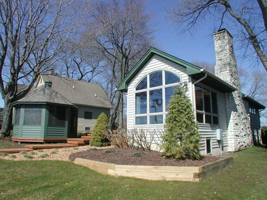 Tudor, Single Family Residence - Middleville, MI (photo 2)