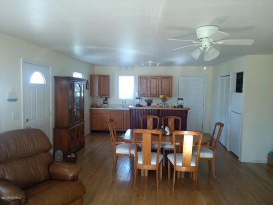 Single Family Residence, Contemporary - Fremont, MI (photo 5)