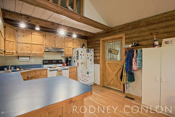Single Family Residence, Log Home - Bloomingdale, MI (photo 4)