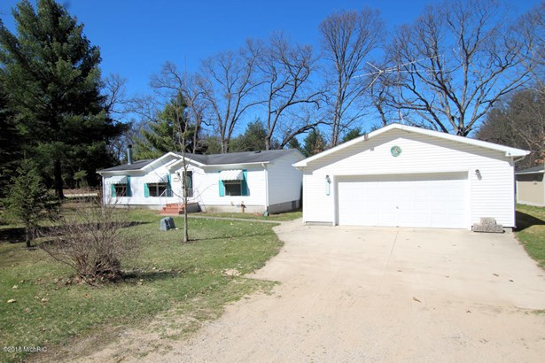 Single Family Residence, Ranch - White Cloud, MI (photo 1)