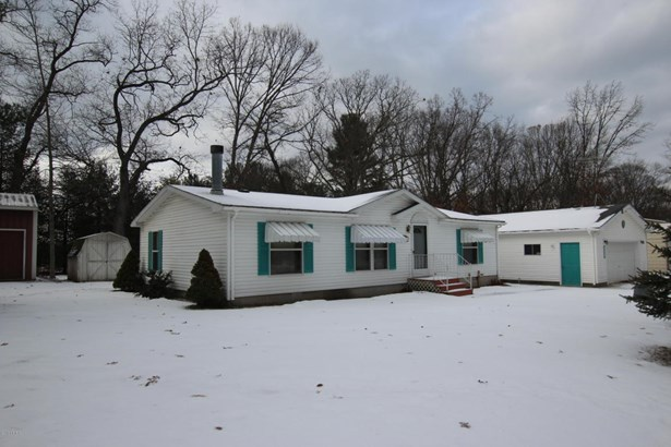 Single Family Residence, Ranch - White Cloud, MI (photo 5)