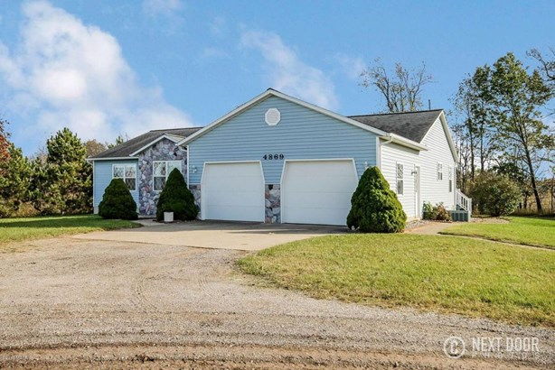 Single Family Residence, Ranch - Middleville, MI (photo 2)