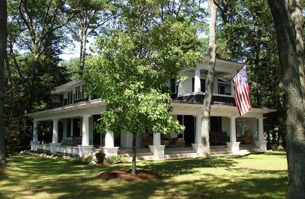 Single Family Residence, Colonial - Montague, MI (photo 1)