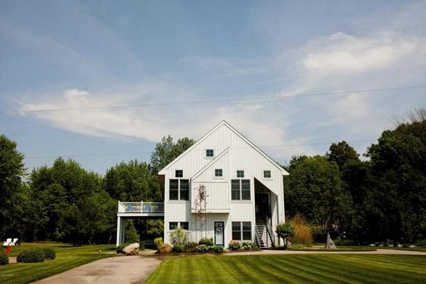 Single Family Residence, Contemporary - Spring Lake, MI (photo 1)