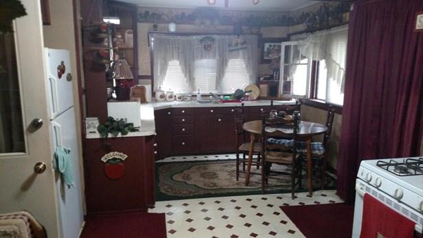 Single Family Residence, Traditional - Ionia, MI (photo 4)