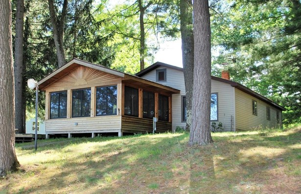 Single Family Residence, Ranch - Fountain, MI (photo 2)