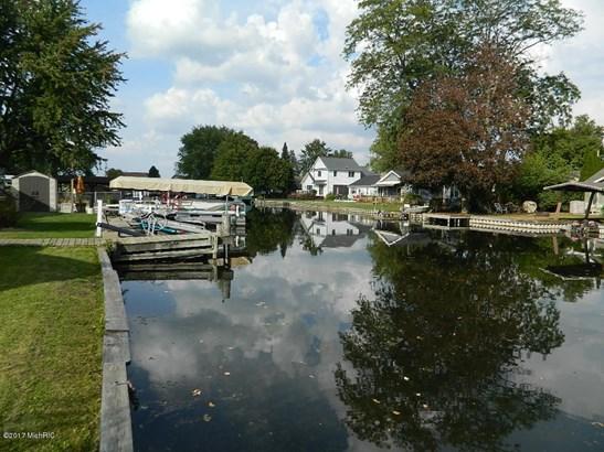 Single Family Residence, Mobile - Shelbyville, MI (photo 3)