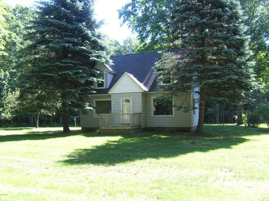 Cape Cod, Single Family Residence - Montague, MI (photo 3)