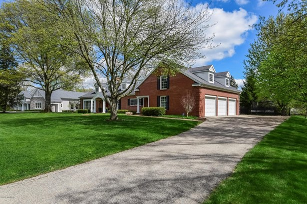 Cape Cod, Single Family Residence - East Grand Rapids, MI (photo 4)