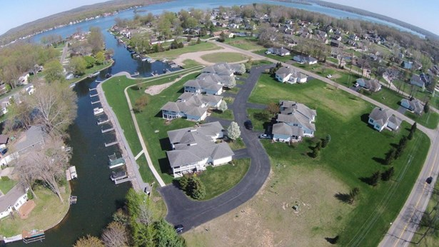 Condominium, Traditional - Wayland, MI (photo 3)