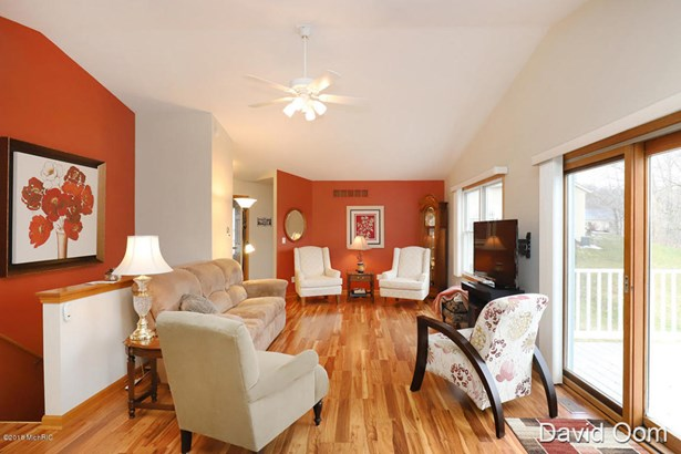 Condominium, Ranch - Middleville, MI (photo 2)