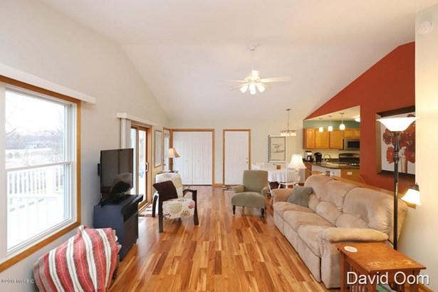 Condominium, Ranch - Middleville, MI (photo 4)