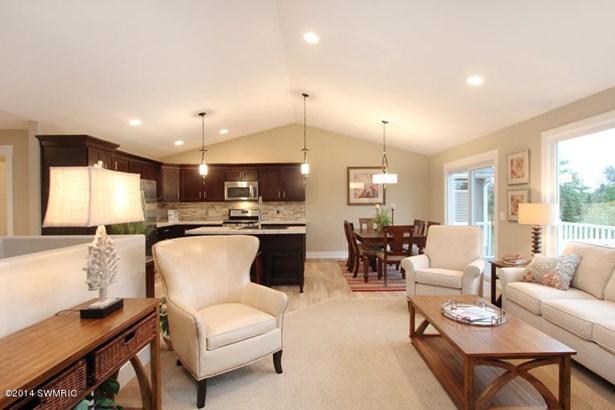 Condominium, Ranch - Kentwood, MI (photo 4)