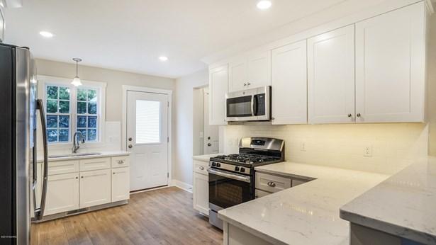 Condominium, Contemporary - Wayland, MI (photo 5)