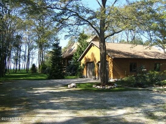 Chalet, Single Family Residence - Montague, MI (photo 3)