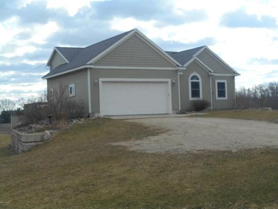 Single Family Residence, Ranch - Cedar Springs, MI (photo 2)