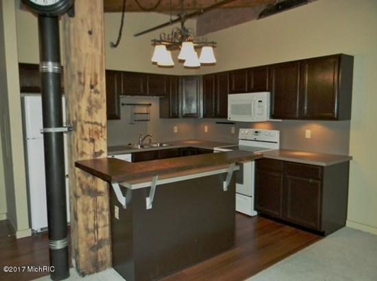 Condominium, Ranch - Grand Rapids, MI (photo 5)