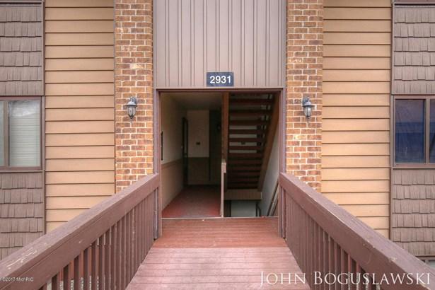Condominium, Ranch - Wyoming, MI (photo 3)